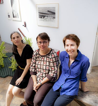 blandine, christelle et marie, la plus petite galerie du monde (ou presque) exposition avec Marie Heughebaert céramiste